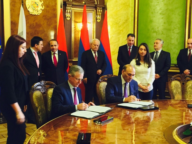 Армения и Грузия построят линию электропередач между двумя странами