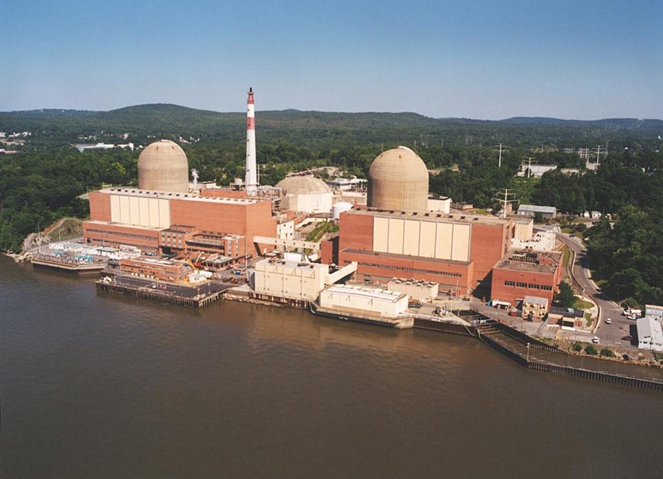 АЭС Индиан-Пойнт недалеко от Нью-Йорка