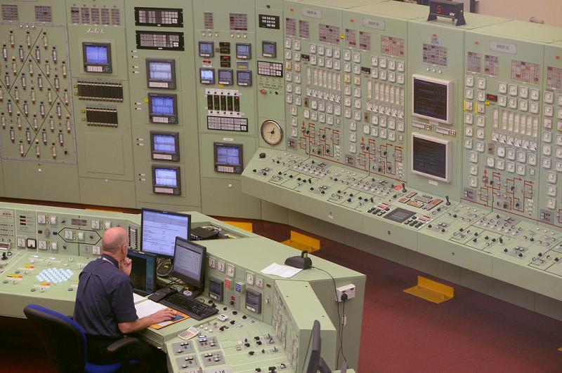 Щит управления АЭС Hunterston B в Шотландии
