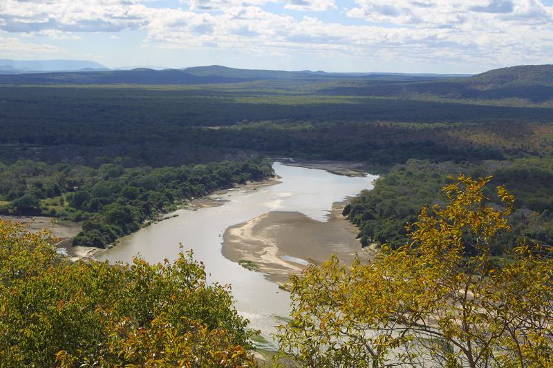 Река в Замбии