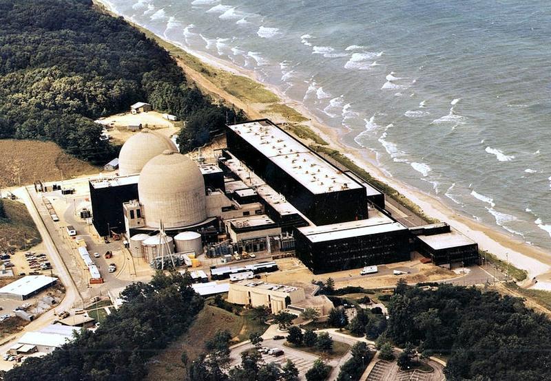 Атомная электростанция Donald C. Cook в Мичигане, США