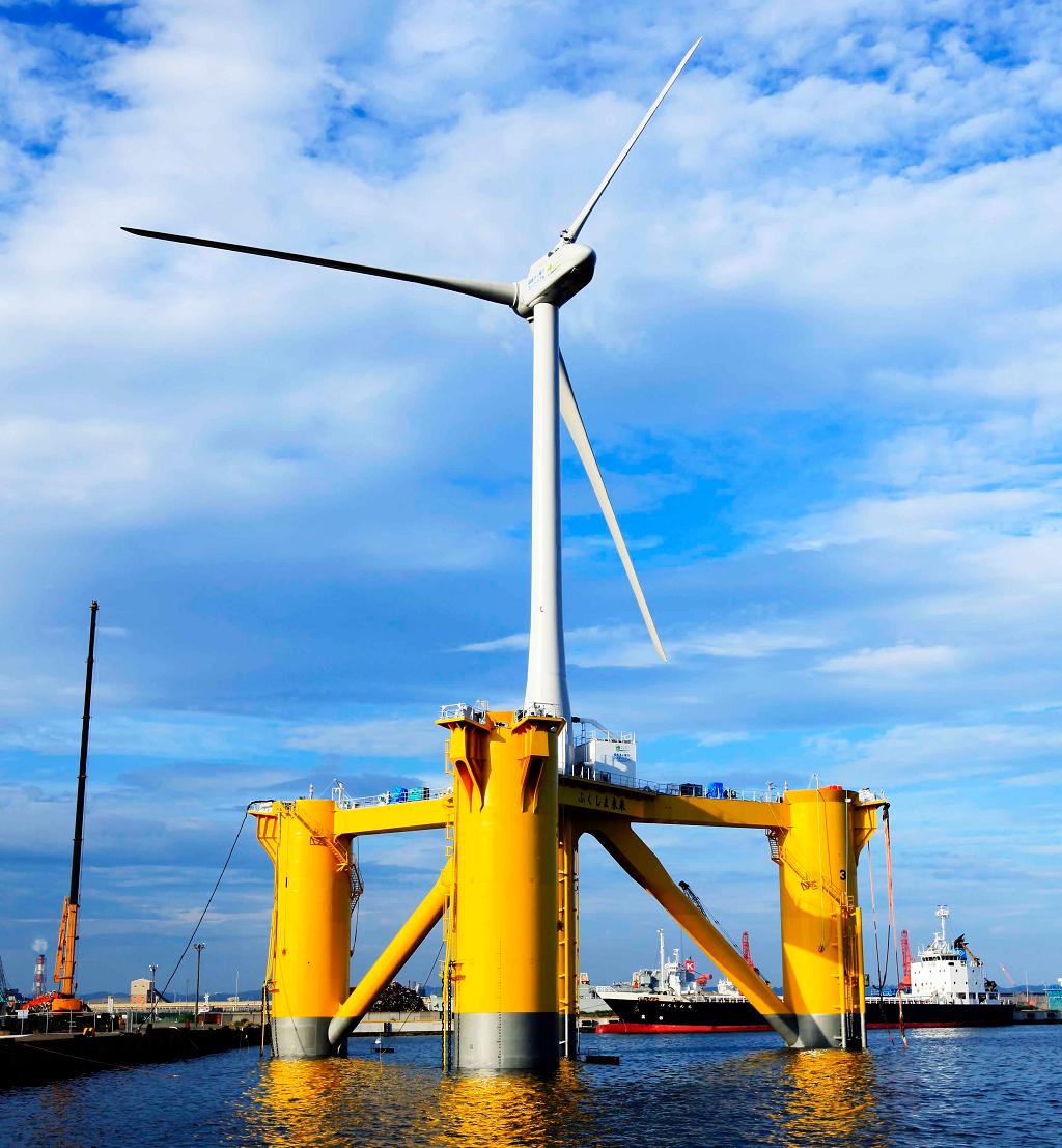 Плавающая ветряная турбина рядом с Фукусимой
