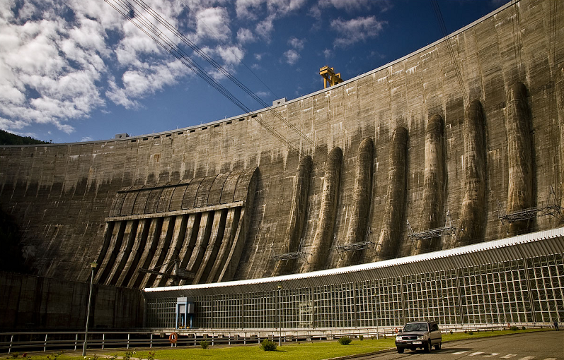 Саяно-Шушенская ГЭС успешно справилась с первичным и автоматическим вторичным регулированием частоты при переходе ОЭС Сибири в изолированный режим работы