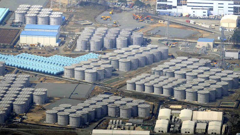 Резервуары с водой на АЭС Фукусима