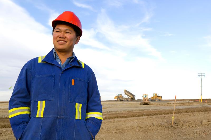 Китайцы строит АЭС по всему миру. Чем это грозит?