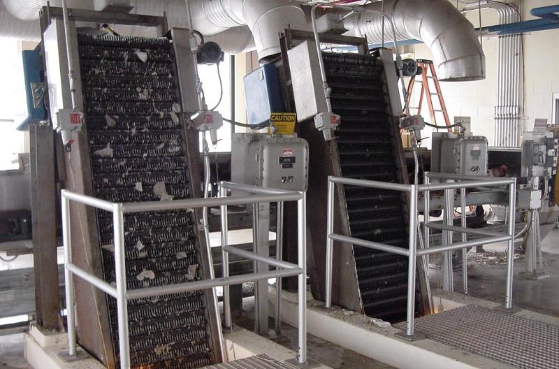 Стержневые решетки на очистной станции