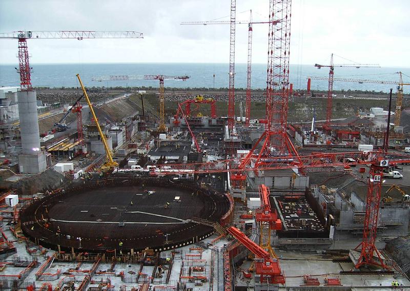 АЭС  Flamanville 3 в западной Нормандии