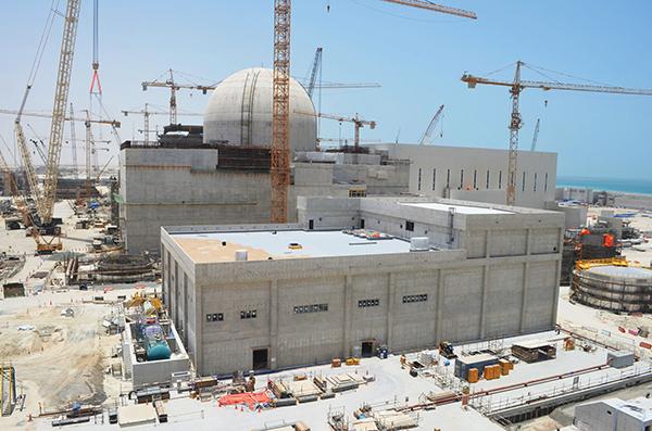 Как ОАЭ вкладывают деньги от нефти и газа в строительство первой в стране атомной электростанции