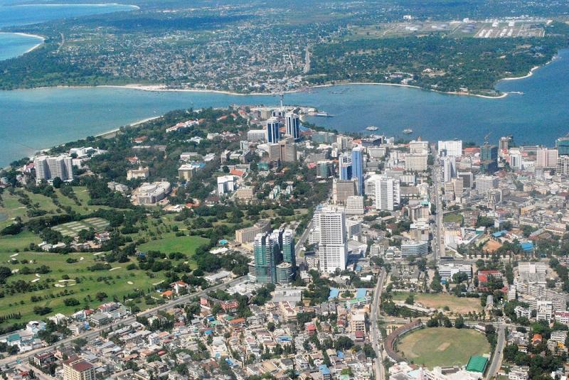 Город Дар-эс-Саламе в Танзании